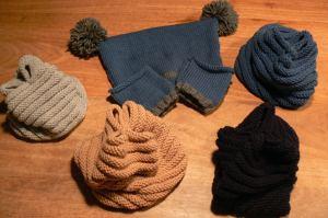 cappelli, cappellini, paraorecchie e moffoline